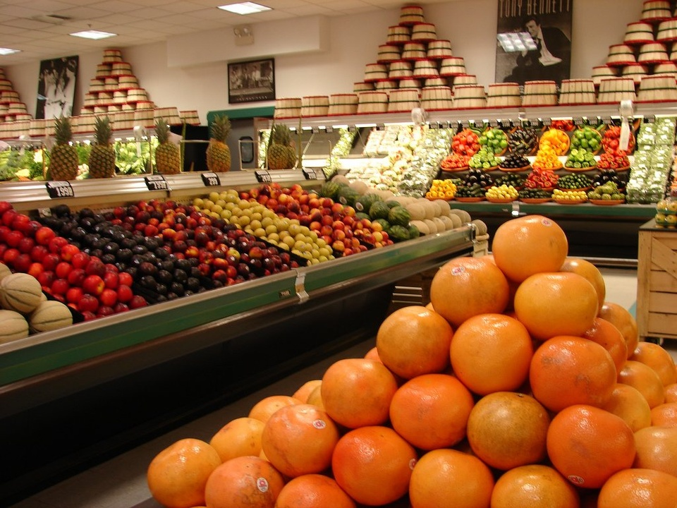 Fruit And Vegetable Section At Grocery Store - Teen Rehab