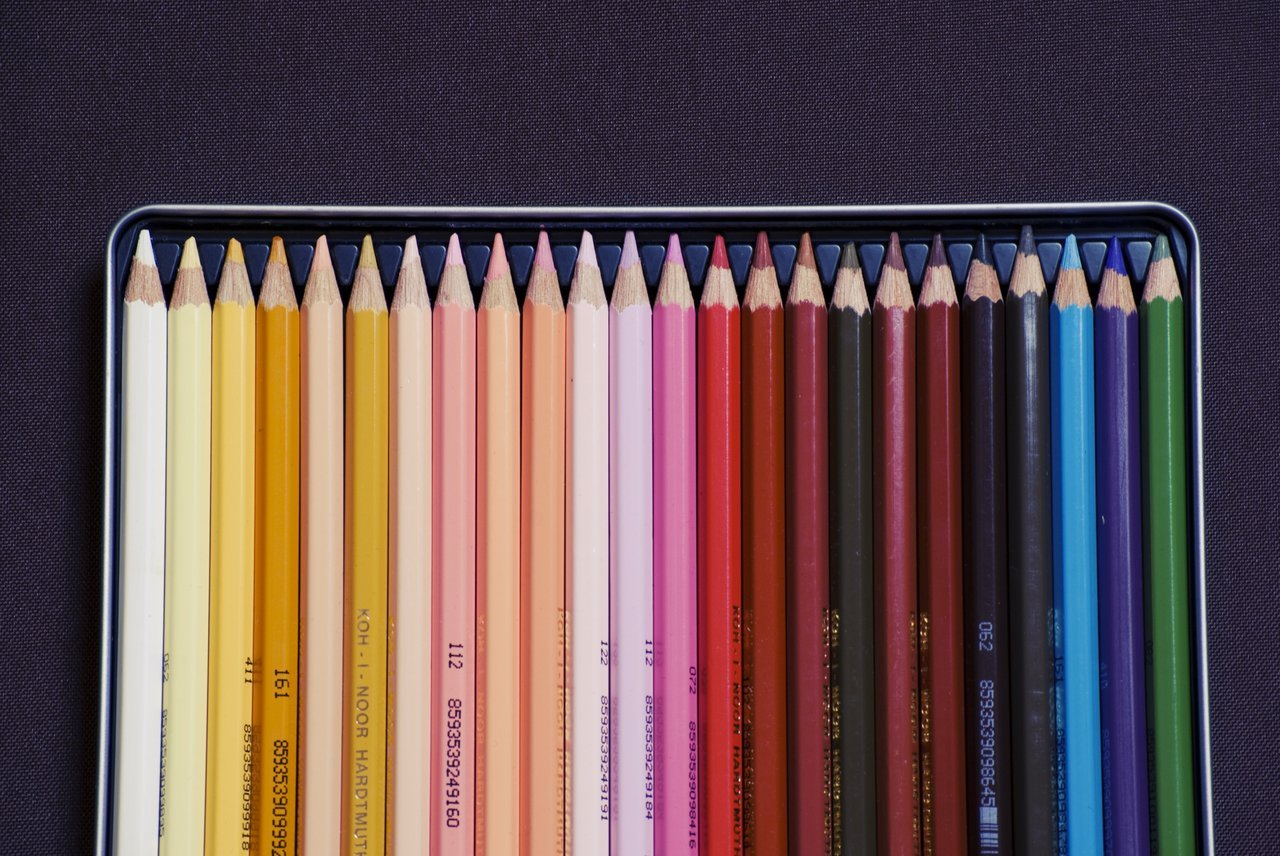 pencil-crayon-rainbow
